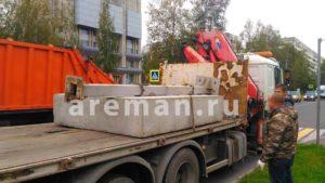 Перевозка бетонных блокоав манипулятором areman